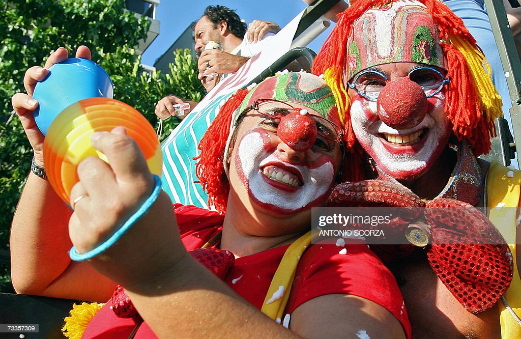 A Brazilian couple in clown costumes p. & A Brazilian couple in clown costumes p... Pictures | Getty Images