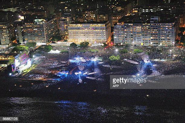 "Rio de Janeiro, BRAZIL: General view of Copacabana beach, Rio de Janiero, Brazil, 18 February 2006 during the Rolling Stones ""A Bigger Band"" concert..."