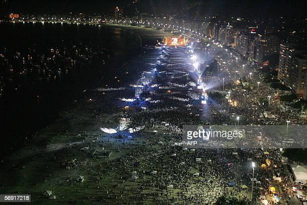 """Rio de Janeiro, BRAZIL: Picture taken during a concert of the Rolling Stones' """"A Bigger Bang"""" world tour, at Copacabana Beach in Rio de Janeiro,..."""