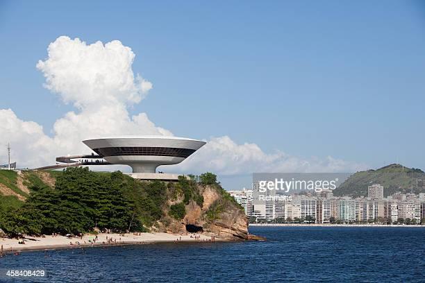 rio de janeiro. niemeyer contemporary arts museum in niteroi - niteroi stock pictures, royalty-free photos & images