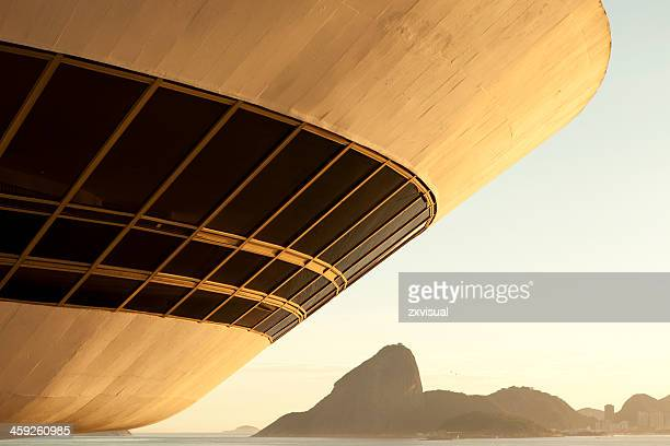 mac rio de janeiro - niemeyer museum of contemporary arts stock pictures, royalty-free photos & images