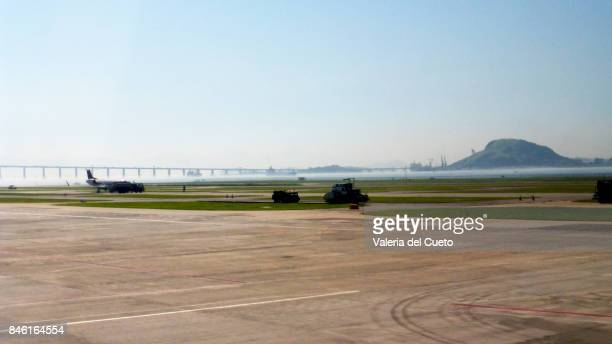 Rio Niterói Bridge and airplane
