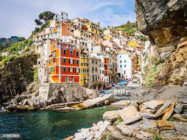 riomaggiore view - cinque terre, italy - cinque terre stock pictures, royalty-free photos & images