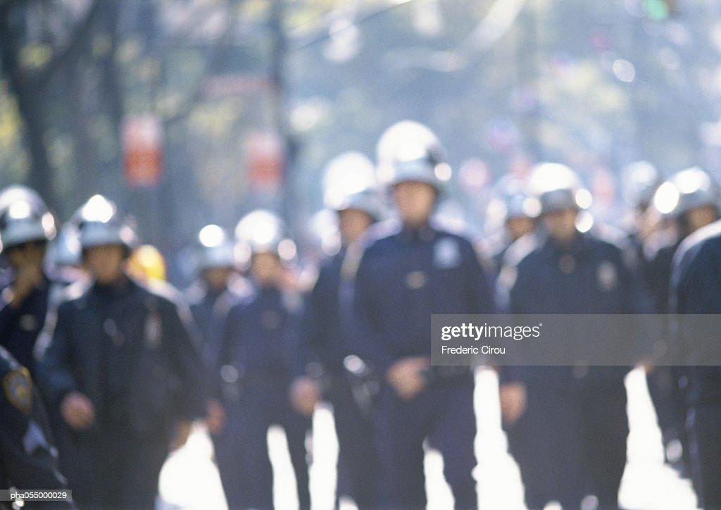 Riot police, blurred : Stockfoto