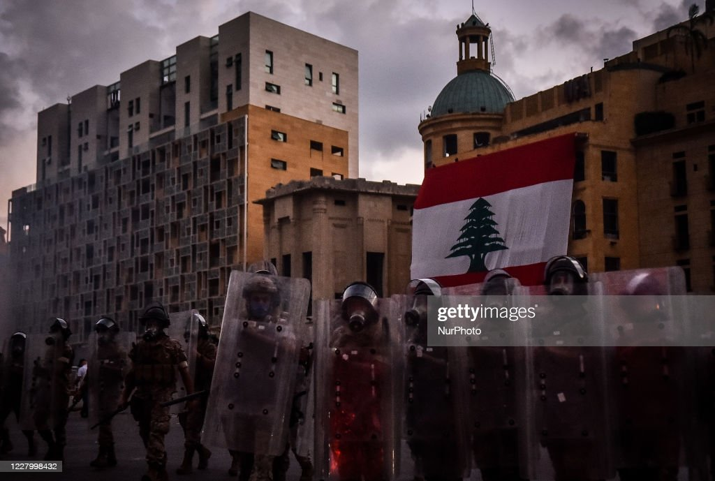Anti-Government Protests In Beirut : Nieuwsfoto's