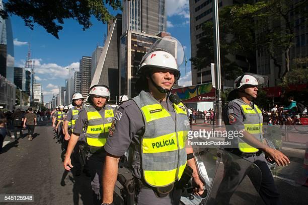 polícia anti-choque no brasil - força policial - fotografias e filmes do acervo