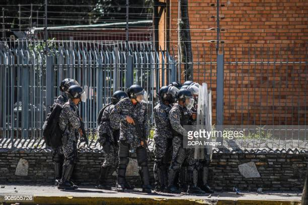 60 Top Bolivarian National Police Pictures, Photos, & Images