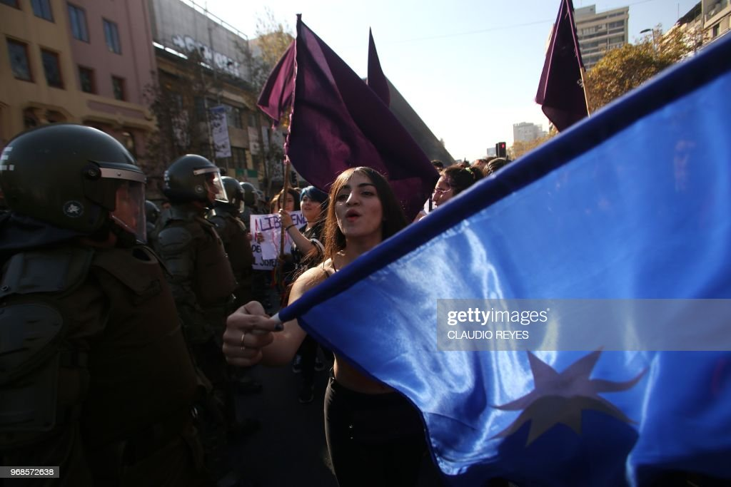 CHILE-EDUCATION-FEMINIST-PROTEST : News Photo