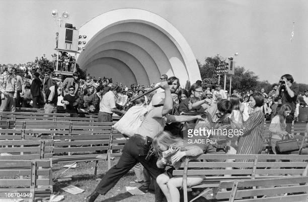 Riots In Chicago Affrontements à Chicago entre des manifestants contre la guerre du Vietnam et policiers lors de la Convention du Parti démocrate la...