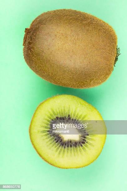 ripe, fresh fruits, organic kiwi - kiwi fruit stock pictures, royalty-free photos & images