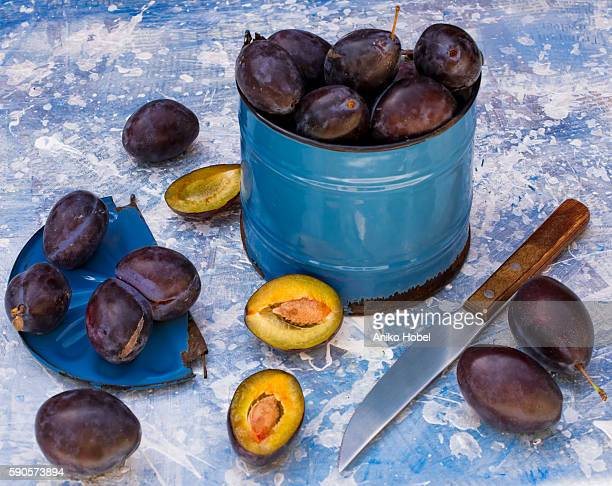 ripe plums - aniko hobel stock pictures, royalty-free photos & images