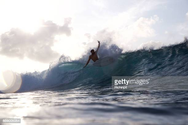 Ripping surfer does good turn