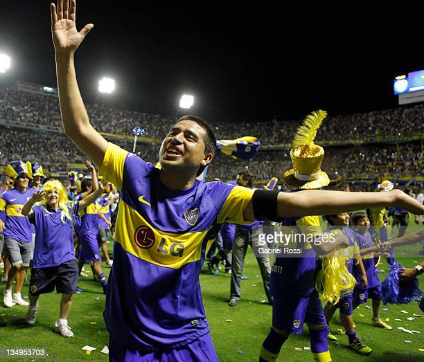 Riquelme of Boca Juniors celebrate after a match between Boca Juniors and Banfield as part of the championship IVECO Bicentenario Apertura 2011 at...