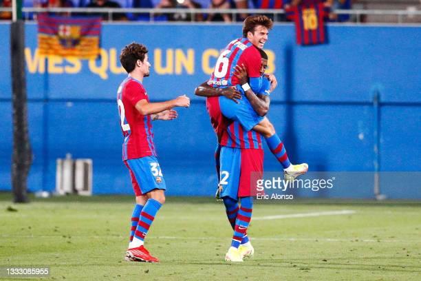Riqui Puig of FC Barcelona celebrates scoring his side's 3rd goal during the Joan Gamper Trophy match between FC Barcelona and Juventus at Estadi...