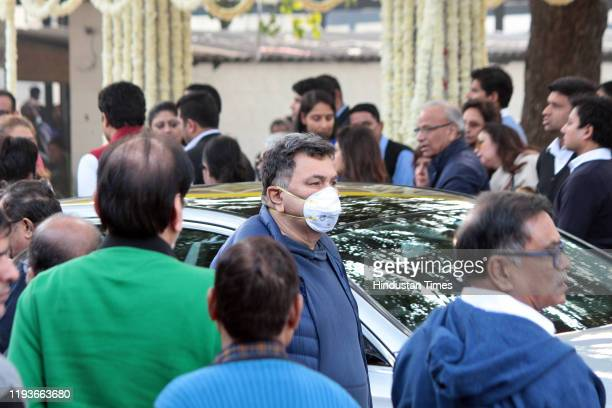 Rishi Kapoor at the funeral of Ritu Nanda at Lodhi Road Crematorium on January 14 2020 in New Delhi India Ritu Nanda late actor Raj Kapoor's daughter...