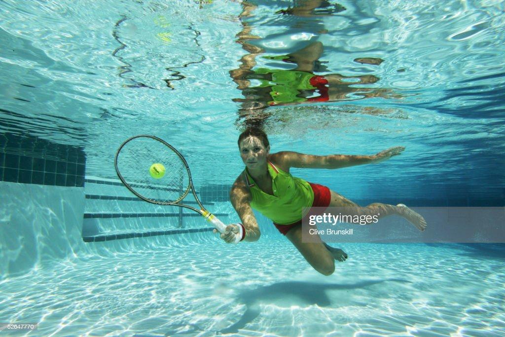 Tatiana Golovin : Underwater Tennis