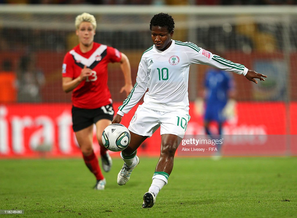 Canada v Nigeria: Group A - FIFA Women's World Cup 2011 : News Photo