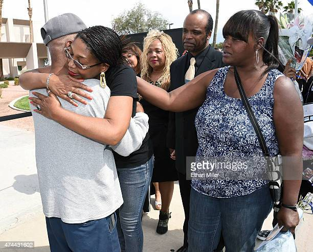 Rita King Washington daughter of blues musician BB King and Denise White daughter of singer Barry White greet wellwishers at a public viewing for BB...