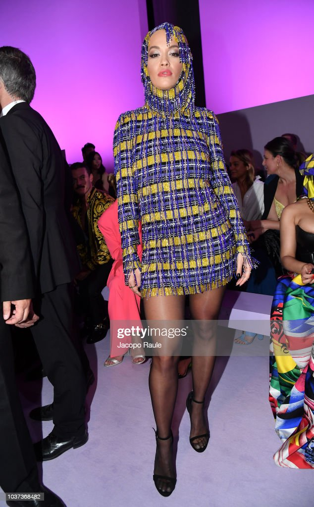 rita-ora-arrives-at-the-versace-show-during-milan-fashion-week-2019-picture-id1037368482