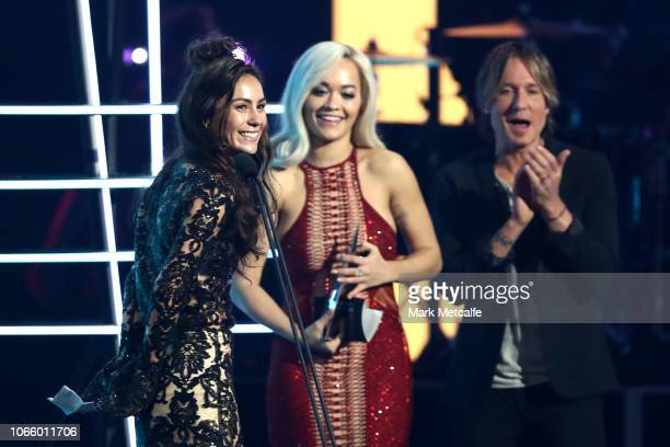 Rita Ora presents the ARIA Award for Best Pop Release to Amy Shark during the 32nd Annual ARIA Awards 2018 at The Star on November 28 2018 in Sydney...