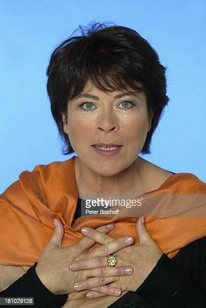 """Rita Russek, Portrait, Porträt, Pressekonferenz zu ARD-Zweiteiler: """"Im Namen des Herrn"""", Hamburg, , Schauspielerin, Promis, Prominente, Prominenter,"""