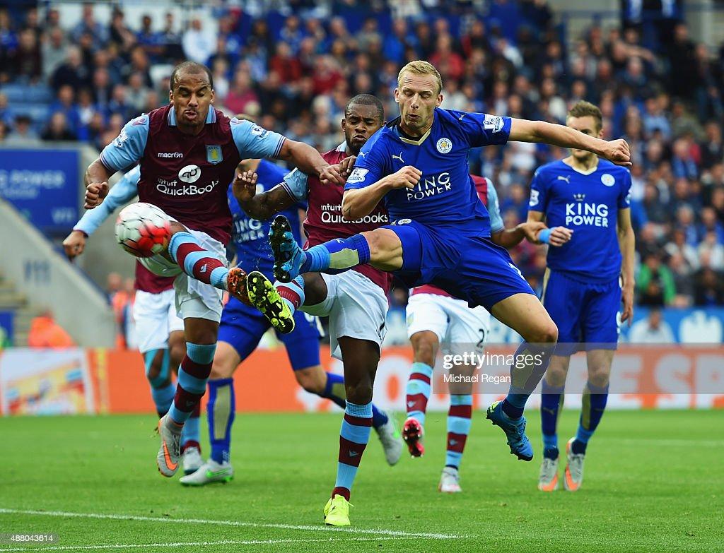 Leicester City v Aston Villa - Premier League : ニュース写真
