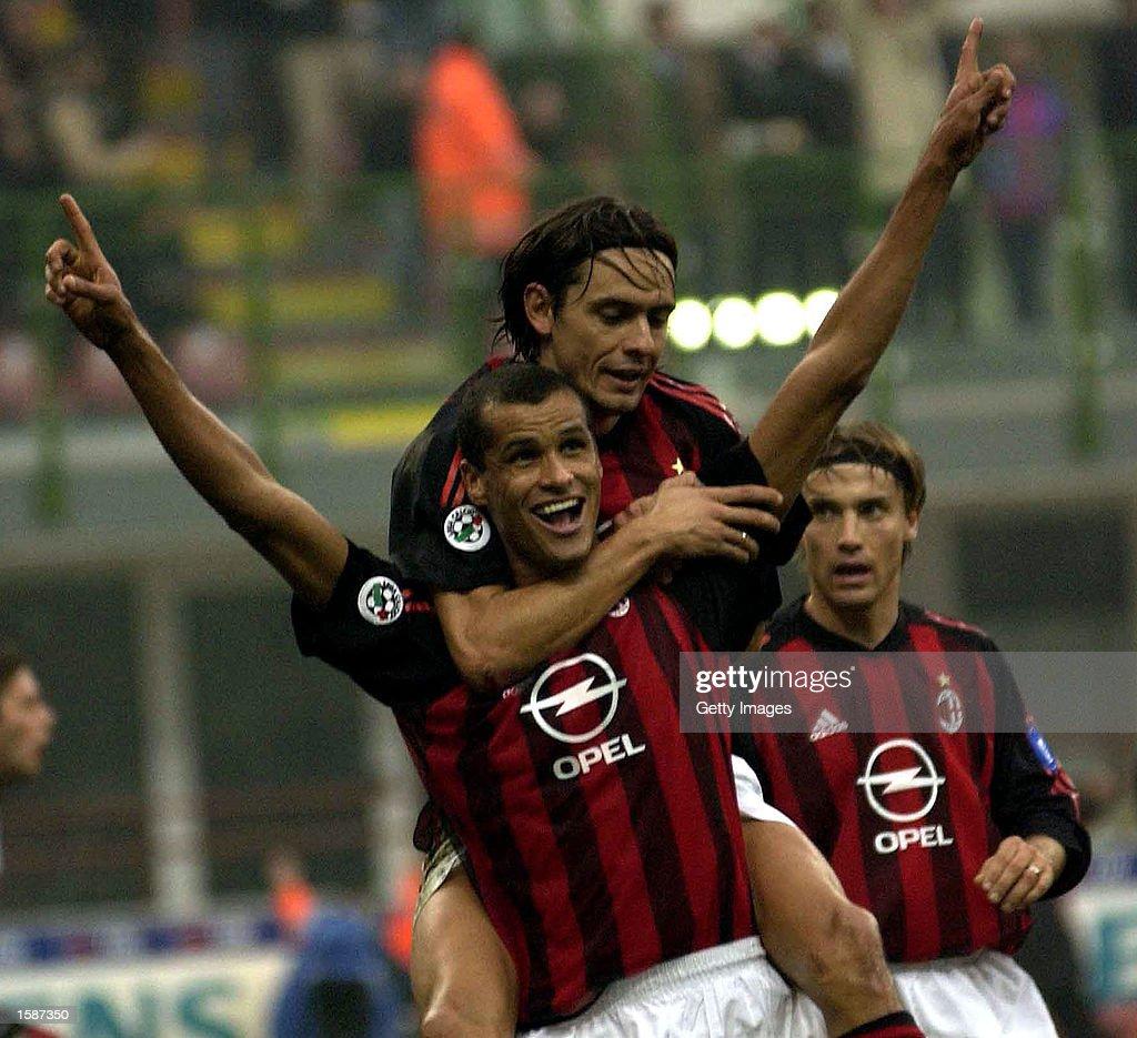 Rivaldo of AC Milan celebrates... : News Photo