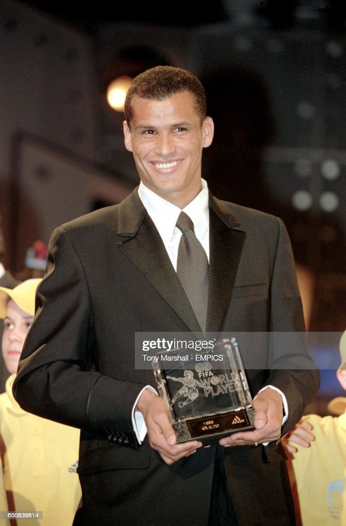 Soccer - FIFA World Player 1999 Awards Gala - Brussels : ニュース写真