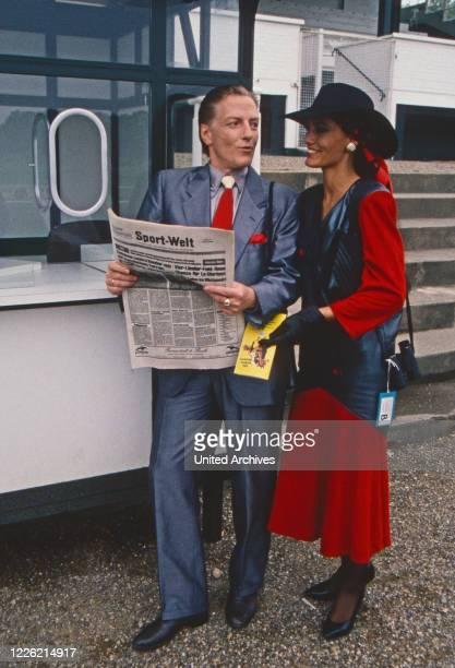 """Rivalen der Rennbahn, Fernsehserie, Deutschland 1989, Folge: """"Verdacht"""", Darsteller: Manfred Zapatka, Maja Maranow"""