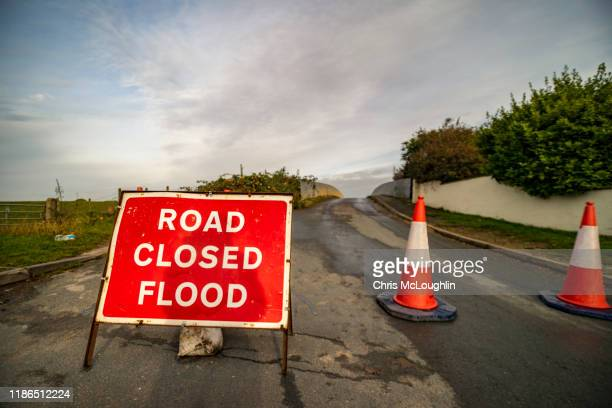 river aire flood, north yorkshire - flood stock pictures, royalty-free photos & images
