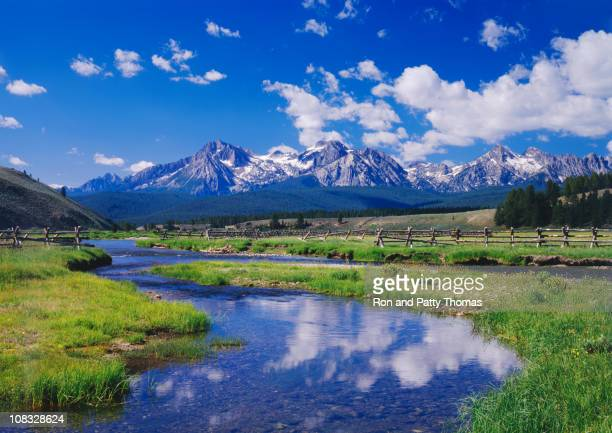 river and mountains in sawtooth mountain range, idaho - idaho stock pictures, royalty-free photos & images