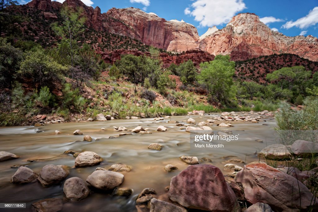 River and mountains in Zion National Park : Stock-Foto