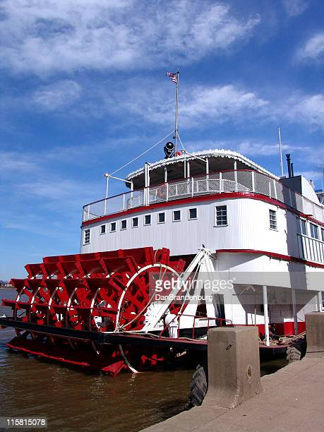 river boat - mississippi river stock pictures, royalty-free photos & images