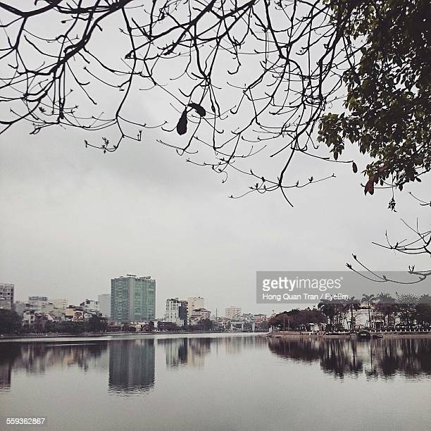 river by city against clear sky - hong quan stock pictures, royalty-free photos & images