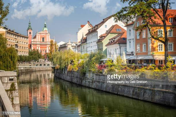 river canal old town ljubljana in slovenia - リュブリャナ ストックフォトと画像