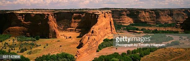 river carving through canyon - timothy hearsum - fotografias e filmes do acervo