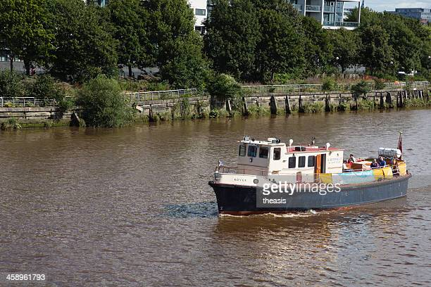 river clyde ferry, glasgow - theasis stock pictures, royalty-free photos & images