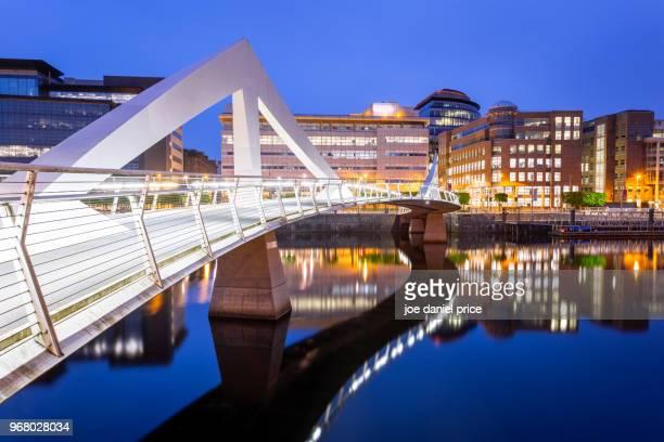 river clyde, tradeston bridge, glasgow, scotland - glasgow stock pictures, royalty-free photos & images