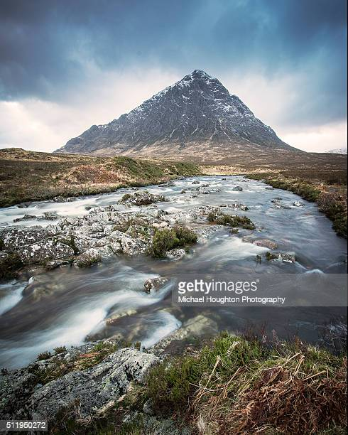 river coupall & buchaille etive mor - glen etive mor stock pictures, royalty-free photos & images