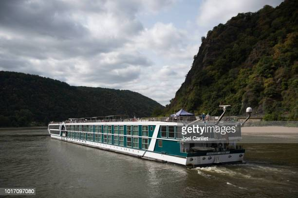 river cruise ship on rhine river near loreley - passenger craft stock pictures, royalty-free photos & images