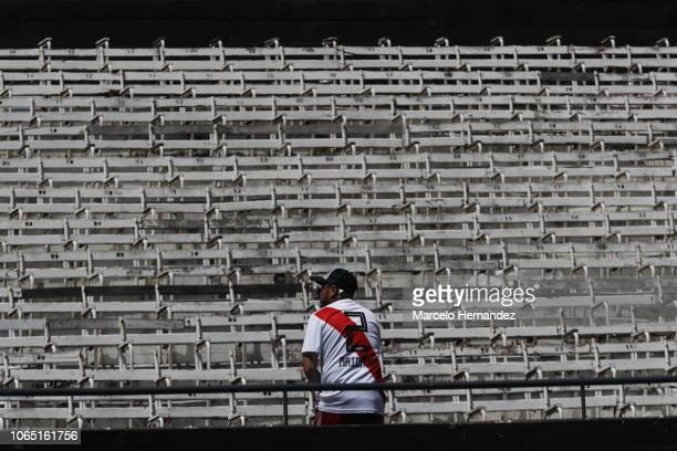 River fan reacts before the second leg of the final of Copa CONMEBOL Libertadores 2018 between River Plate and Boca Juniors at Estadio Monumental...
