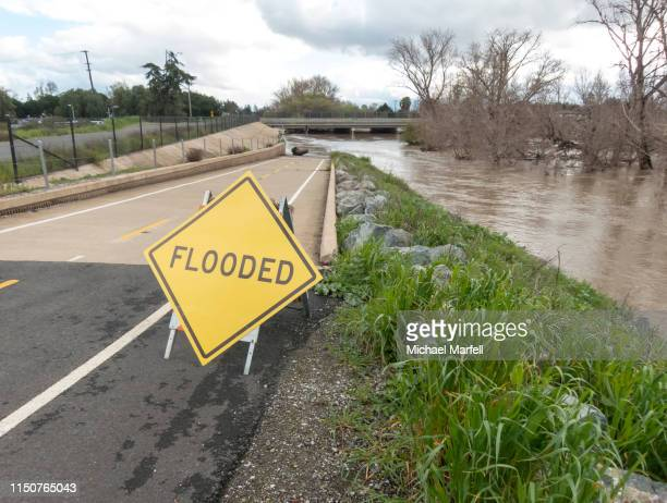 river flooding 2 - california flood stock photos and pictures