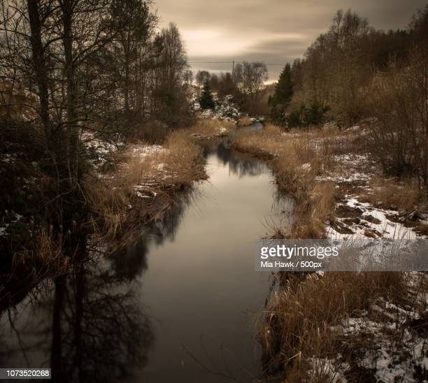 river, helland, norway. - mia woods photos et images de collection