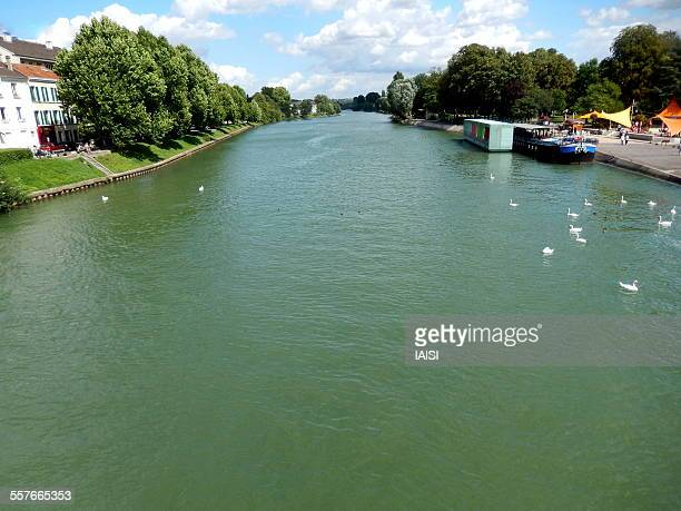 a river in ile-de-france - marne stock pictures, royalty-free photos & images