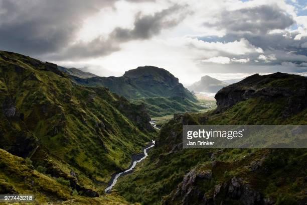 river in thorsmork valley, south iceland, iceland - wildnis stock-fotos und bilder