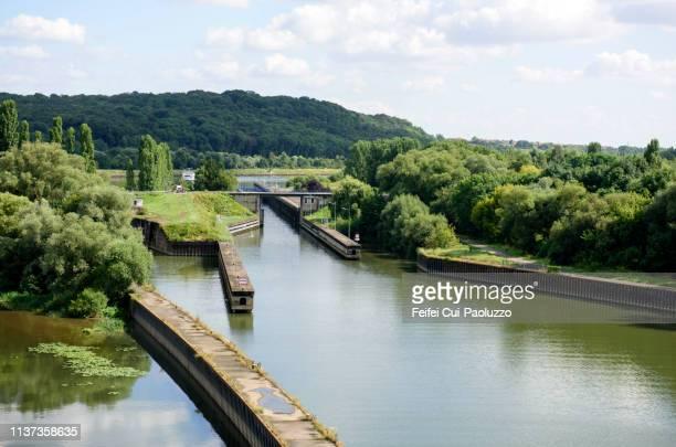 river lock near thionville, moselle department, france - moselle imagens e fotografias de stock