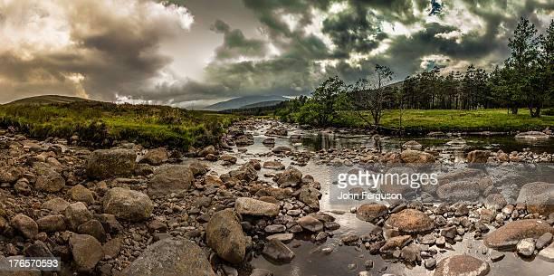 river muick - モーレイ湾 ストックフォトと画像