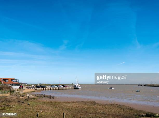 river ore at orford, suffolk - low tide stock pictures, royalty-free photos & images