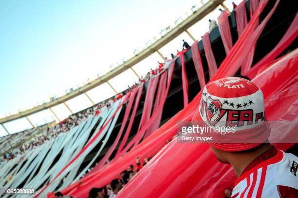 River Plate fans wait for the confirmation of the suspension of the game during the second leg final match of Copa CONMEBOL Libertadores 2018 between...