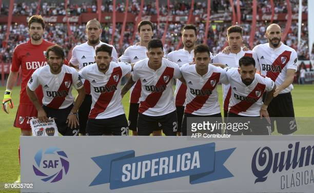 River Plate' football team poses before the Argentine derby match against Boca Juniors in the Superliga first division tournament at Monumental...